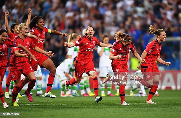 Reggio nell'Emilia ITALY MAY 26 The players of Lyon celebrate winning the penalty shoot out during the UEFA Women's Champions League Final at Mapei...