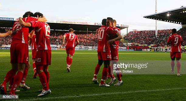 "The players of Mainz celebrate after the 2-1 during the Second Bundesliga match between FSV Mainz 05 and 1. FC Kaiserslautern at the stadium ""am..."