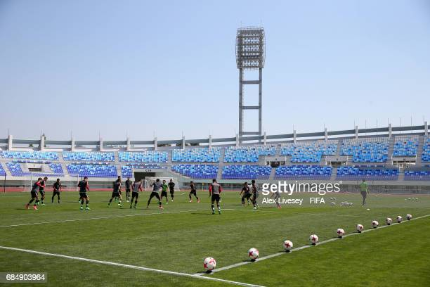 The players of Mexico warm up during a training session at the Hanbat Sports Complex ahead of the FIFA U20 World Cup on May 19 2017 in Daejeon South...