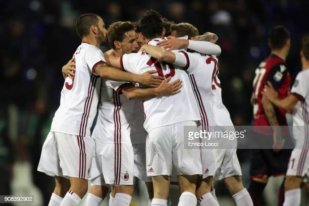 the players of Milan celebrates a victory during the serie A match between Cagliari Calcio and AC Milan at Stadio Sant'Elia on January 21 2018 in...