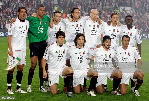 The players of Milan pose before the Champions League semi final second Leg match between PSV Eindhoven and AC Mailand at the Philips Stadium on May...