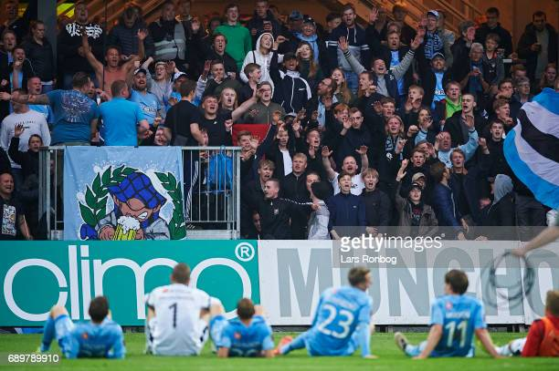 The players of Randers FC and the fans celebrate after the Danish Alka Superliga match between Randers FC and OB Odense at BioNutria Park on May 29...