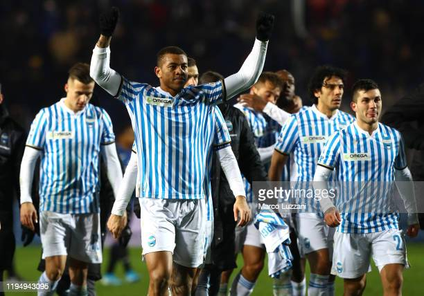 The players of the SPAL celebrate a victory at the end of the Serie A match between Atalanta BC and SPAL at Gewiss Stadium on January 20, 2020 in...