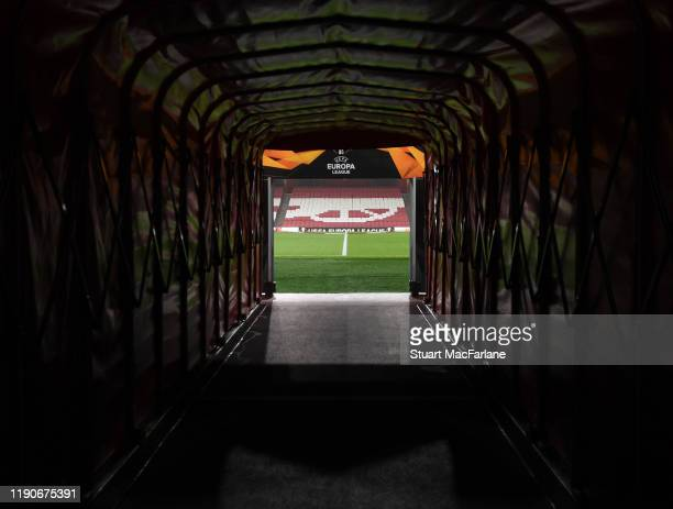 The players tunnel before the UEFA Europa League group F match between Arsenal FC and Eintracht Frankfurt at Emirates Stadium on November 28, 2019 in...
