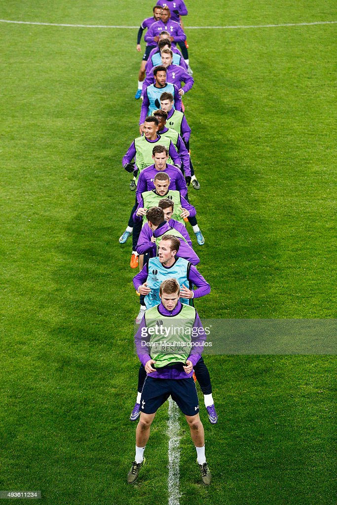 The players warm up during the Tottenham Hotspur training session ahead of the UEFA Europa League match against Anderlecht at Constant Vanden Stock Stadium on October 21, 2015 in Brussels, Belgium.