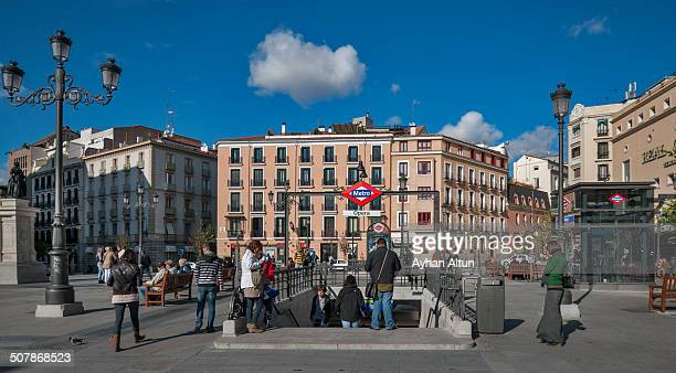 CONTENT] The Plaza de Isabel II is a square in the center of Madrid One of the most important streets leading to the Plaza del Arenal street from the...