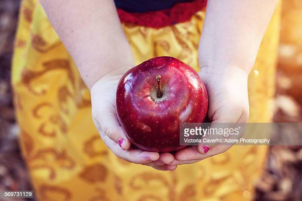 the poisoned apple - snow white stock photos and pictures