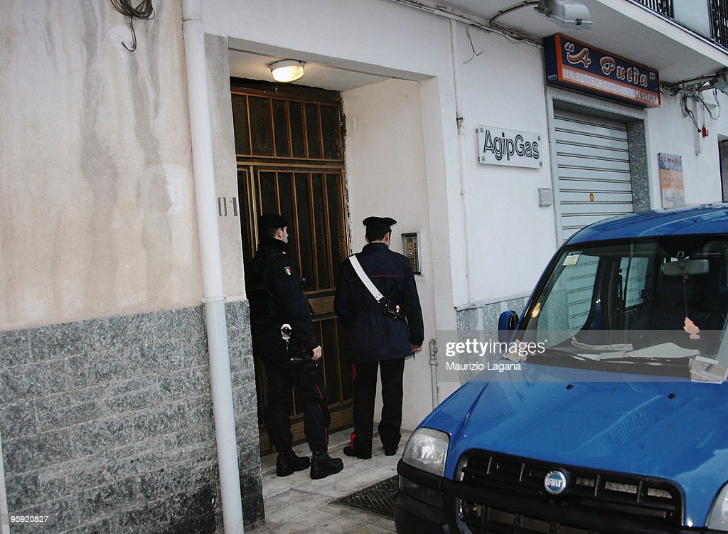 Car Containing Explosives And Arms Is Discovered At Reggio Calabria ...