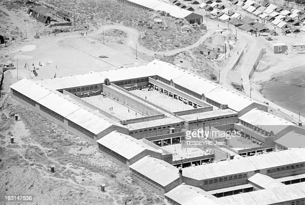 The Policitical Deportes Of Yaros Island En Grèce le 6 juillet 1967 vues aériennes de l'île de Yaros située à 120 km d'Athènes où sont emprisonnés...