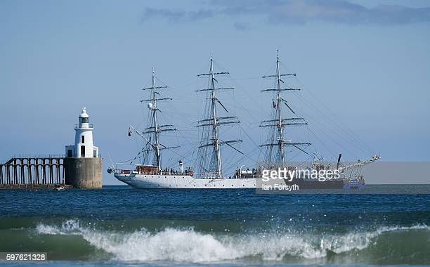 The Polish ship Dar Mlodziezy leaves Blyth harbour during the North Sea Tall Ships Parade of Sail on August 29 2016 in Blyth England The bustling...
