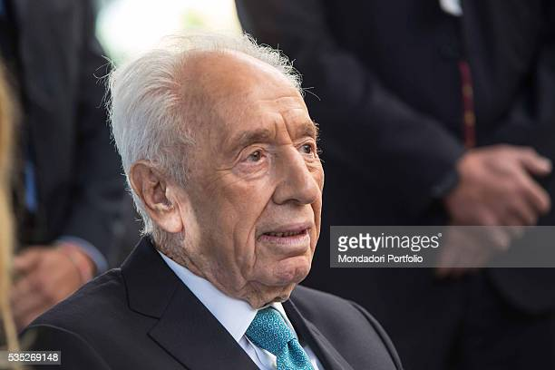 The politician Shimon Peres wearing suit and tie by the Jewish brand Polgat at the Forum Ambrosetti in Villa d'Este Cernobbio Italy 5th September 2015