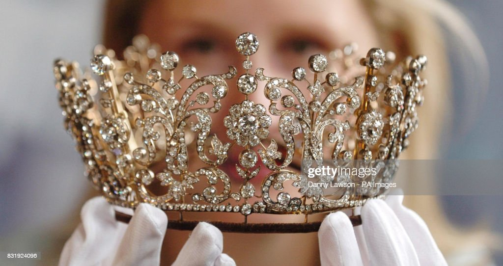 royal jewellery pictures getty images