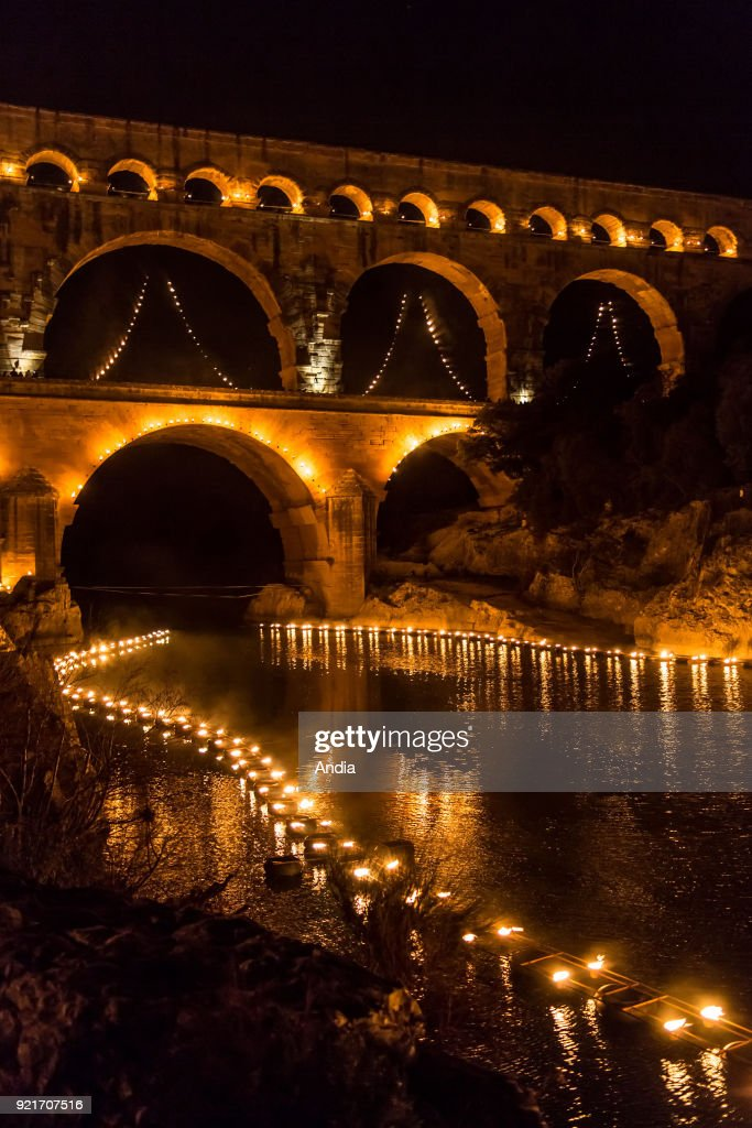 Pont du Gard bridge, night-time show 'Nuit des lucioles' (Firefly's Night). : News Photo