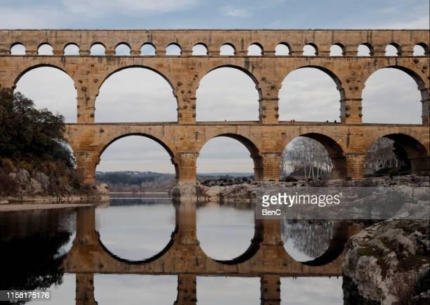 the pont du gard - pont du gard stockfoto's en -beelden