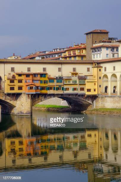 The Ponte Vecchio, Old Bridge, over the Arno river, Florence, Tuscany, Italy, Europe.