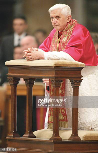 The pope Benedict XVI during the Holy Mass for 11th General Ordinary Assembly of Synod of the Bishops Vatican City 2005
