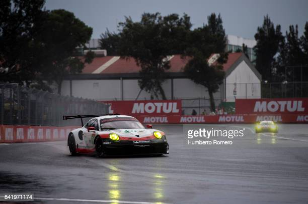 The Porsche LM P1 team drives during practice for the FIA World Endurance Championship at Hermanos Rodriguez Race Track on September 02 2017 in...
