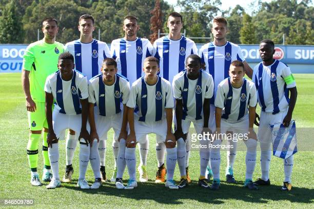 The Porto team pose for a photo prior to the UEFA Youth Champions League match between FFC Porto and Besiktas JK at Centro de Treino do Olival on...