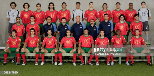 The Portuguese team poses for photographers 24 June 2004 in Lisbon Goalkeeper Quim defender Ricardo Carvalho forward Pauleta defender Fernando Couto...