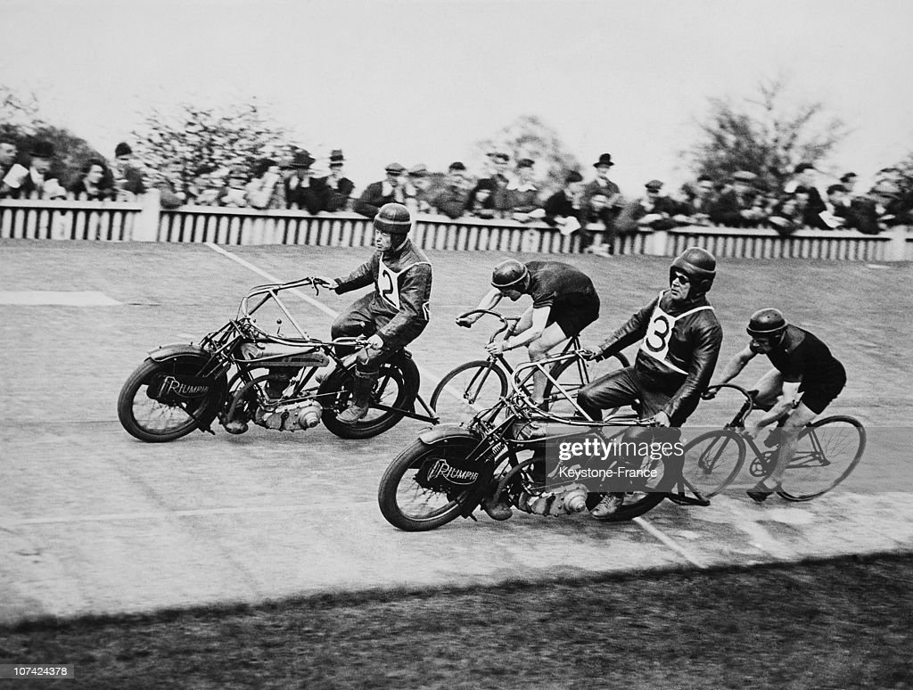 The Post Olympic Racing In The Olympic Palace At Herne Hill On April 30Th 1932 : News Photo