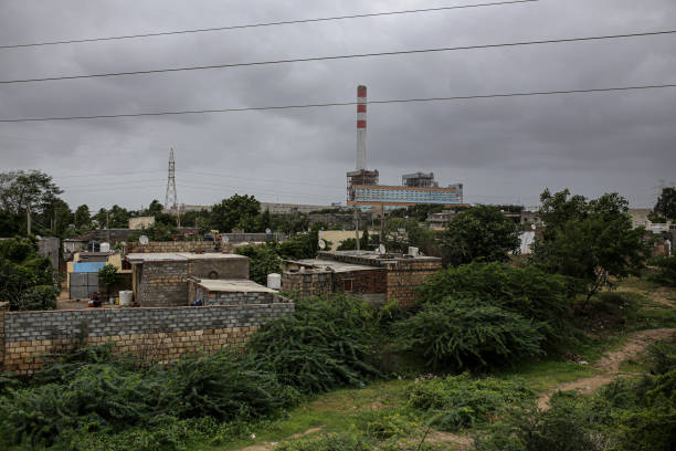 IND: General Economy in 'India's Oil City' As Soaring Pump Prices Threaten Recovery