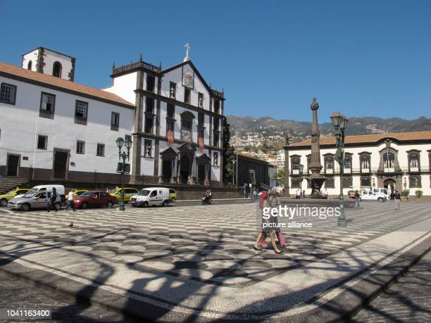 The Praca do Municipio with the Jesuit College and town hall in Funchal Portugal 09 March 2015 Photo Jens Kalaene NOWIRESERVICE   usage worldwide