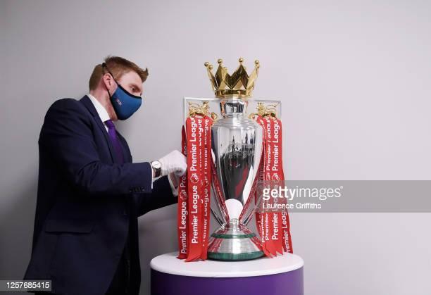17 168 Premier League Trophy Photos And Premium High Res Pictures Getty Images