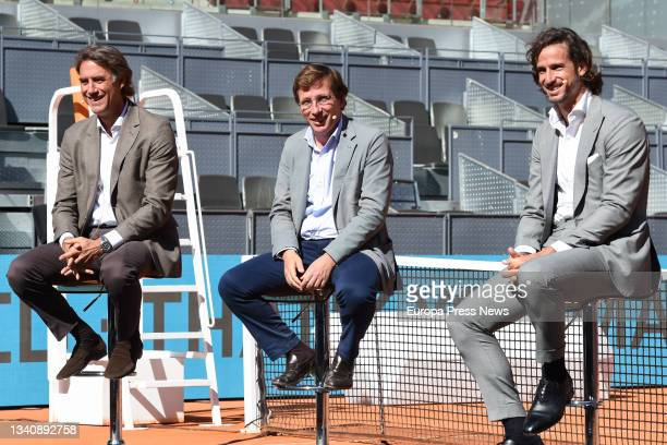 The president and CEO of Madrid Trophy Promotion, Gerard Tsobaniann; the mayor of Madrid, Jose Luis Martinez-Almeida; and the professional tennis...