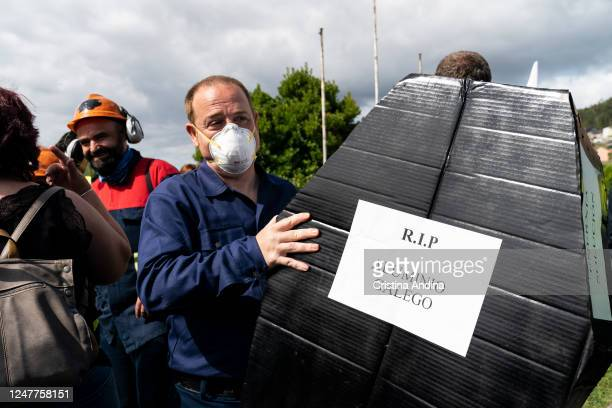 The president of Alcoa works council, José Antonio Zan, on demonstrate in the streets of Viveiro on June 7, 2020 in Viveiro,Lugo, Spain. Alcoa...
