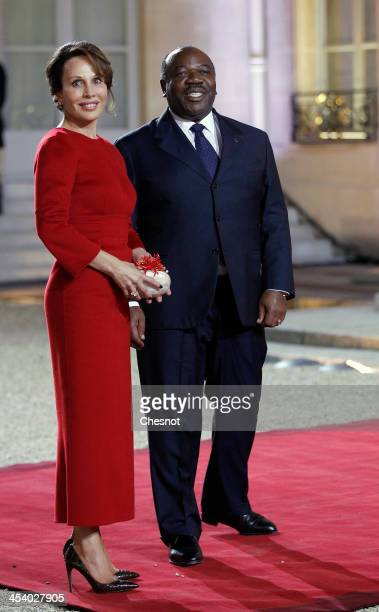 The president of Gabon Ali Bongo Ondimba and his wife Sylvia arrive for a diner at the Elysee presidential palace in Paris as part of the Elysee...