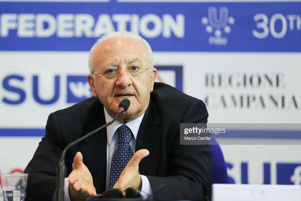 The President of the Campania Region, Vincenzo De Luca, during the...  Fotografía de noticias - Getty Images