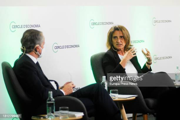 April 16: The president of the Cercle d'Economia, Javier Faus and the fourth vice-president and minister for Ecological Transition of the Government,...