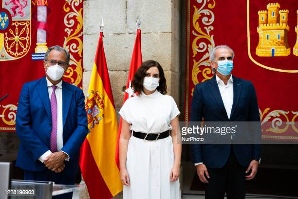 The president of the Community of Madrid Isabel Diaz Ayuso accompanied by the councilors of Health and Education and Youth Enrique Escudero and...