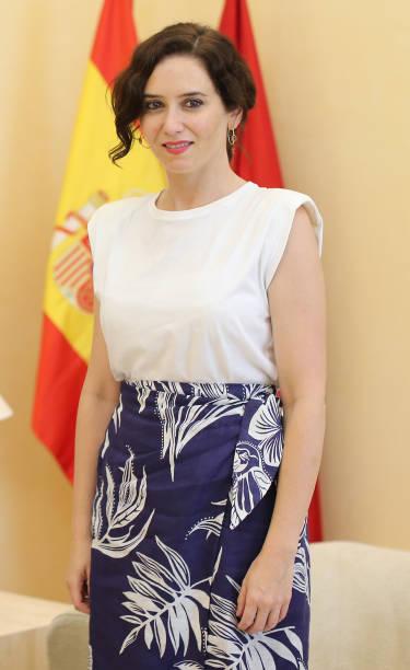 ESP: Cuban Artist Youtuel Romero Meets Isabel Diaz Ayuso