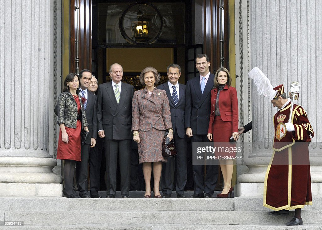 (From L) The President of the Constituti : News Photo