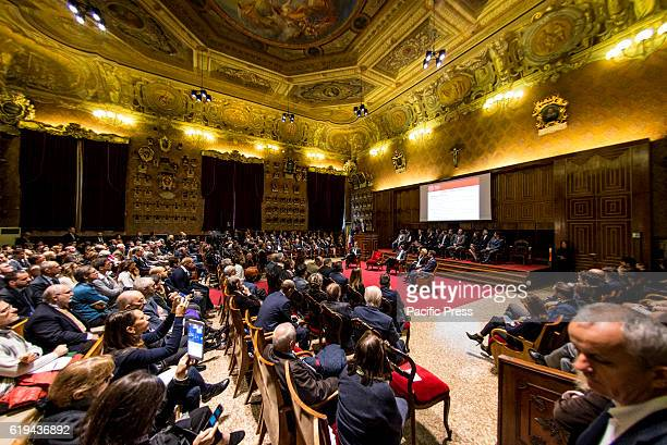 The President of the Council Matteo Renzi met Italian and foreign professors and researchers to talk about the phenomenon of 'brain drain' and the...