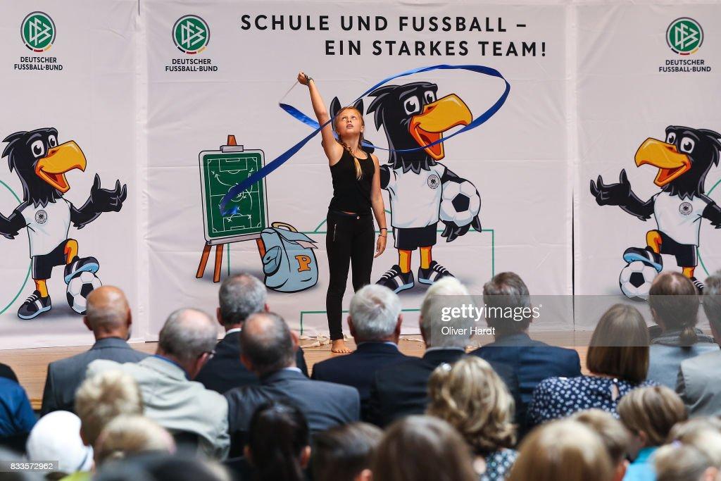 The President of the German football association, Deutscher Fussball Bund (DFB) Reinhard Grindel visit the School for Integrierten Gesamtschule in Rotenburg - Wuemme on August 17, 2017 in Rotenburg Wuemme, Germany.