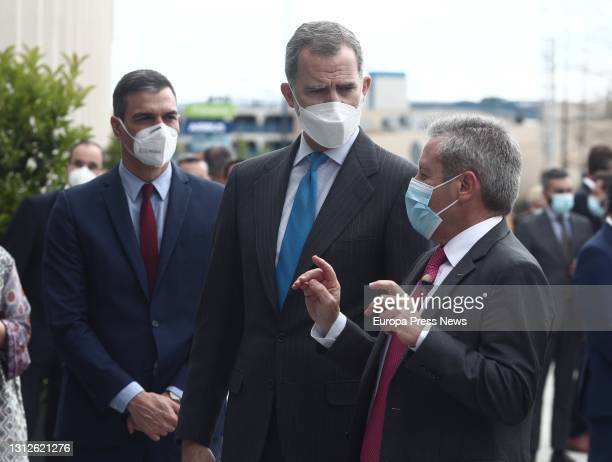 The President of the Government, Pedro Sanchez , and King Felipe VI , talk on their arrival at the inauguration of the new Airbus campus, on 15 April...