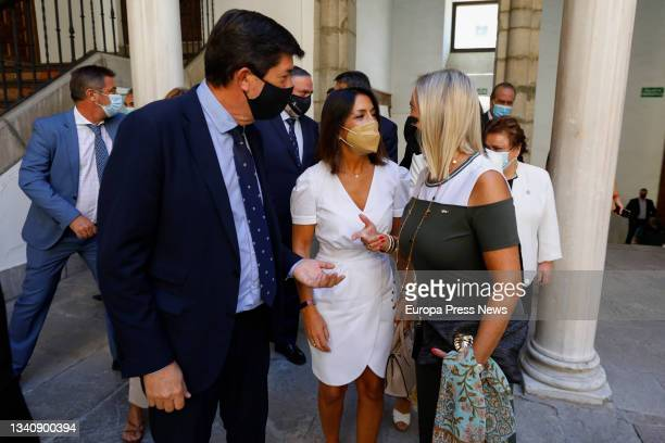 The president of the Parliament of Andalusia, Marta Bosquet , and the vice-president of the Regional Government and Minister of Justice, Juan Marin ,...
