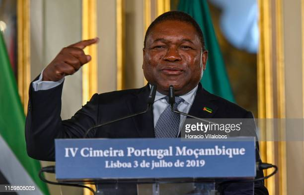 The President of the Republic of Mozambique Filipe Nyusi delivers remarks at the end of the signature of agreements while copresiding the IV Portugal...