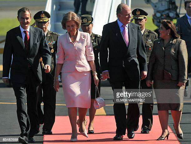 The President of the Spanish Government Jose Luis Rodriguez Zapatero Spain's Queen Sofia and King Juan Carlos are welcomed by El Salvador's Foreign...