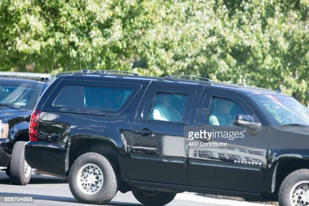The President of the United States Donald Trump departs Trump National Golf Club in Sterling Virginia on October 07 2017 / AFP PHOTO / Alex EDELMAN /...