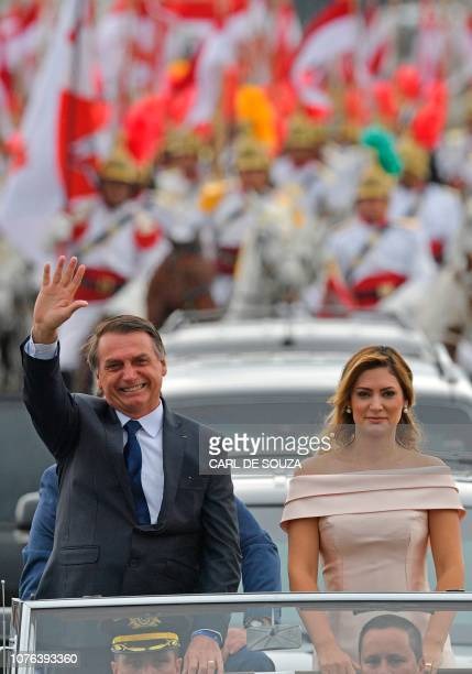 The presidential convoy led by Brazil's Presidentelect Jair Bolsonaro and his wife Michelle Bolsonaro in a Rolls Royce heads to the National Congress...