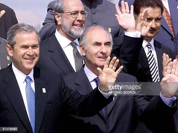 The Presidents of the US George W Bush Argentina Fernando de La Rua Gustavo Noboa of Ecuador and of Guatemala Alfonso Portillo wave to photographers...