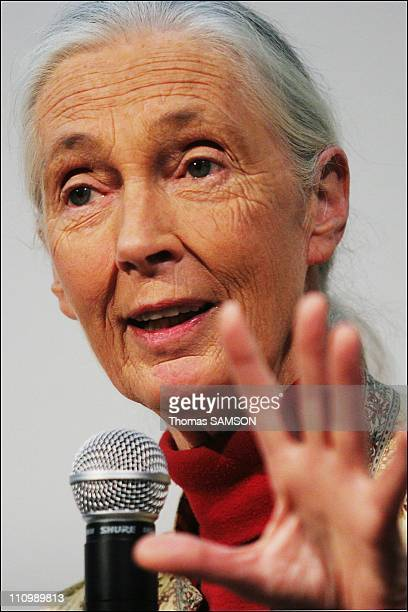 The press conference of Jane Goodall and the support committee covenant ecological of Nicolas Hulot in Paris France on February 20th 2007 The singer...