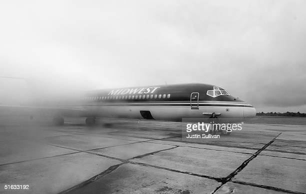 The press plane for Democratic presidential candidate US Senatoe John Kerry is seen October 21 2004 on the tarmac in Yougstown Ohio