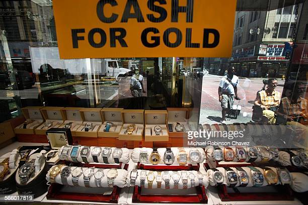 The price of gold has shot to record levels again At over $160000 per ounce people are flocking to gold buying shops to sell their jewelry Omid Rabi...