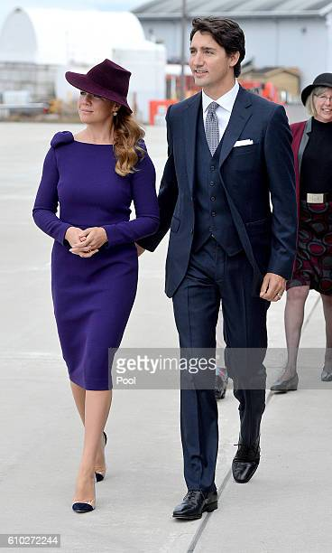 The Prime Minister of Canada Justin Trudeau and his wife Sophie make their way to greet Prince William Duke of Cambridge Catherine Duchess of...