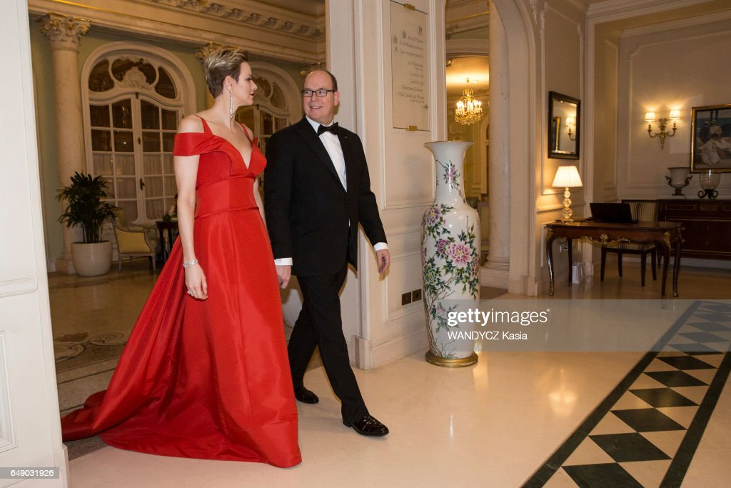 https://media.gettyimages.com/photos/the-prince-albert-and-the-princess-charlenne-of-monaco-at-the-laureus-picture-id649031926