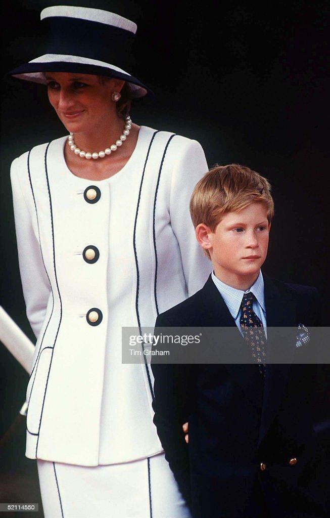 Diana Harry At Vj Day : News Photo